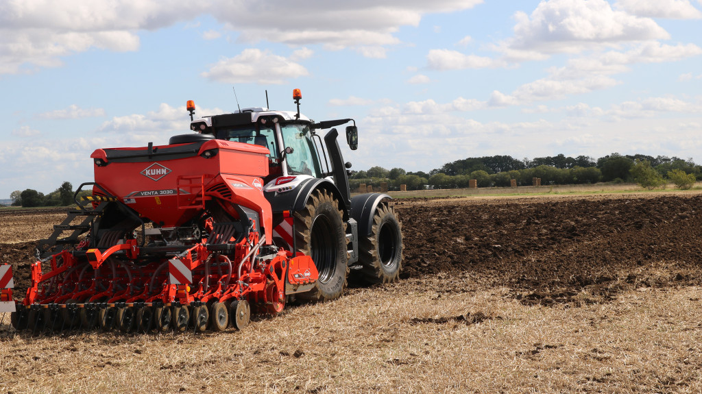 Kuhn Venta 3030 and Valtra tractor