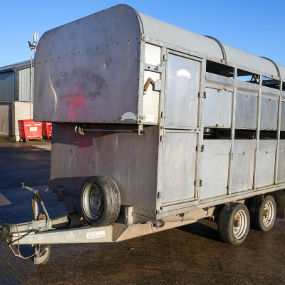 Graham Edwards DM 12 Livestock Trailer (2)