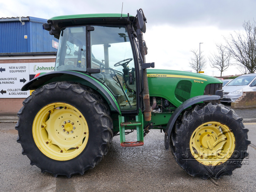 JD 5100M Tractor (6)