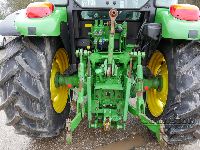 JD 5100M Tractor (9)