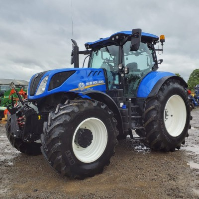 New Holland T7.260 Pic 1